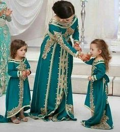 caftan, dress, and morocco image Pakistani Dresses, Indian Dresses, Indian Outfits, Muslim Fashion, Asian Fashion, Hijab Fashion, Morrocan Dress, Moroccan Caftan, Mother Daughter Fashion