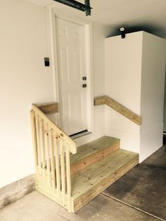 Best The Garage Steps Leading Into The House Need A Small 640 x 480