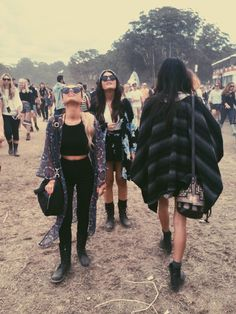 Indie meets goth festival vibes