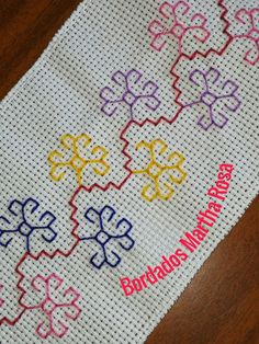 Kasuti Embroidery, Indian Embroidery, Hand Embroidery Stitches, Silk Ribbon Embroidery, Cross Stitch Embroidery, Cross Stitch Patterns, Applique Templates, Sewing Stitches, Bargello