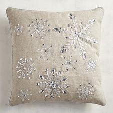 Φυσικό μαξιλάρι με ασημένιες νιφάδες χιονιού