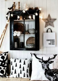 our southern home black christmas decor ideas - @mystylevita http://s.bhome.us/7e5lglZd via bHome https://bhome.us
