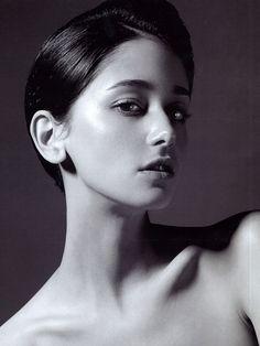 Makeup / Polished / Dewy / Contrast Cecilia Mendez