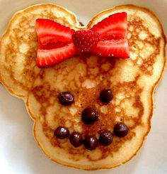 Minnie Mouse pancake