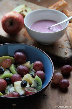 Healty breakfast with fruit and yogurt ©AnnaCeresa