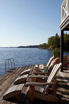 Nadire Atas Lakefront Living You'll want to relax in these cozy outdoor spaces. Lake Cottage, Cottage Living, Lakeside Living, Outdoor Living, Outdoor Life, Lake Dock, Docks Lake, Haus Am See, Relax