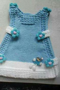 This Pin was discovered by Lüt Crochet Baby Dress Pattern, Baby Sweater Knitting Pattern, Knit Baby Dress, Baby Knitting Patterns, Knit Crochet, Diy Crafts Knitting, Baby Girl Patterns, Baby Sweaters, Baby Girl Dresses