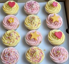 pink and yellow cupcakes
