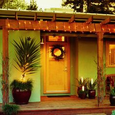 28 Beautiful Christmas Wreath Ideas Southwestern Ranch Sunset Spanish Style Homes