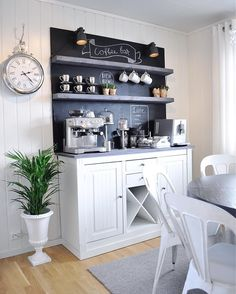 9 Genius Coffee Bar Ideas For The Kitchen Love coffee? Here are 11 kitchen coffee bar ideas to help you DIY your very own coffee station! Click through for rustic, farmhouse and modern coffee station ideas you can recreate today! Diy Kitchen Decor, Kitchen Bar, Kitchen Remodel, Kitchen Decor, Dining Room Storage, Coffee Bars In Kitchen, Bars For Home, Home Coffee Stations, Home Kitchens