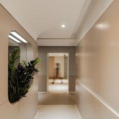 Gallery of Tru3 Yoga Studio / ITGinteriors - 12 Reception Design, Reception Areas, Scandinavian Office, Dentist Clinic, Residential Complex, Yoga, Glass Blocks, Slow Living, Japanese Design