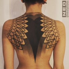 Geometric back piece