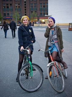 girls on bikes!