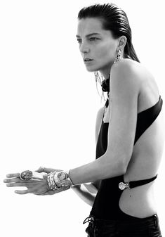 Daria Werbowy in Vogue Paris June/July 2015 by David Sims Daria Werbowy, David Sims, Editorial Photography, Fashion Photography, Rebel, Emmanuelle Alt, Vogue Magazine, Strike A Pose, Vogue Paris