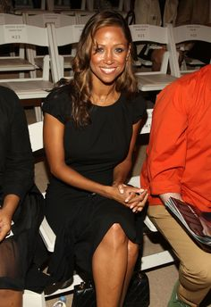 Celebrities Who Defy Their Age  ~~  Stacey Dash, age 46 Stacey Dash, Flight Attendant Hot, Diamond And Silk, Ann Coulter, Bombshell Beauty, African American Women, Aging Gracefully, Cute Girls, Hair Color