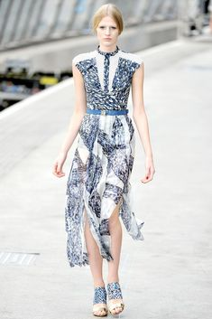 Peter Pilotto Spring 2011 Ready-to-Wear Fashion Show - Renee Germaine van Seggern