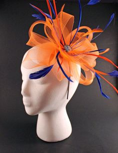 Customizable Sports Team Crinoline and Feather Fascinator via Etsy Fascinator Diy, Floral Fascinators, Lace Bow Tattoos, French Hat, Fall Hats, Crazy Hats, Red Butterfly, Diy Hat, Hat Hairstyles