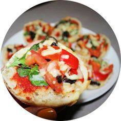 Made English Muffin Mini Pizzas emoji So simple to make and they tasted great!! emoji cut the muffin horizontally and top with any pizza toppings and bake for 10-15 minutes emoji