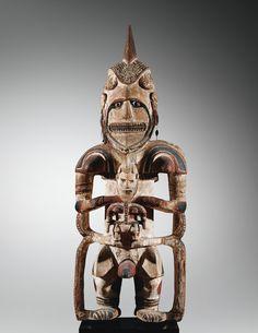 Statue d'ancêtre <em>Uli,</em>Aire Mandak, Centre de la Nouvelle-Irlande   lot   Sotheby's