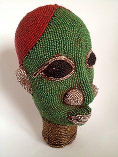Vintage bead ceramic head from Cameroon - chez BazaarLiving sur ETSY