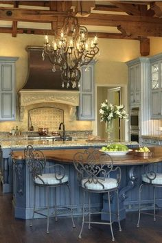 Tuscan Decorating, French Country Decorating, Decorating Ideas, Kitchen Design, Kitchen Decor, Kitchen Ideas, Hickory House, Tuscan Furniture, Old World Kitchens