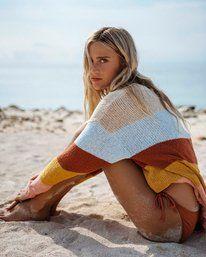 Beach Photography Poses, Beach Poses, Stevie Nicks, Look Fashion, Girl Fashion, Beach Fashion, Bikini Fashion, Surfergirl Style, Beach Sweater