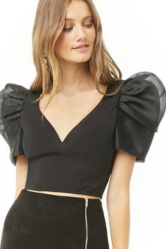 Forever 21 is the authority on fashion & the go-to retailer for the latest trends, styles & the hottest deals. Shop dresses, tops, tees, leggings & more! Sleeves Designs For Dresses, Sleeve Designs, Blouse Designs, Dresses With Sleeves, Modern Filipiniana Dress, Crop Top Outfits, Sweater Outfits, Cropped Tops, Fashion Sewing