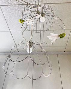 "Meri Weckman sanoo Instagramissa: ""#lampshade #framework #diylampshade #diylamp #diy #diyhomedecor #cliponbird #birdornament #artificialbird #neon #neonyellow #feathers…"" Artificial Birds, Bird Ornaments, Neon Yellow, Feathers, Diy Home Decor, Ceiling Lights, Outdoor Ceiling Lights, Feather, Ceiling Fixtures"
