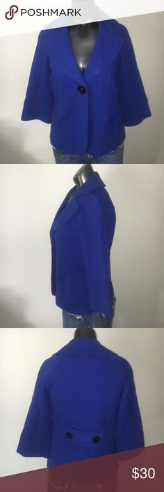 Classiques Entier Coat  Size XXS Blue Solid Dry clean only Measurements Detailed measurements are not available for this item. Materials 83% Viscose, 14% Nylon, 3% Spandex. Classiques Entier Coat  Size XXS Classiques Entier Jackets & Coats