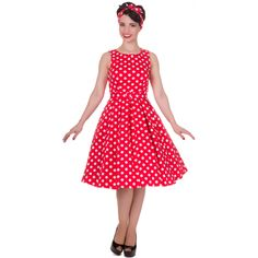 This gorgeous pin up girl style dress has been cut to compliment your curves! The retro frock features a lovely flattering fitted bodice, simple bateau neckline, full swinging skirt with box pleats and a super stylish polka dot print. The retro dress Rockabilly Dress, Mode Rockabilly, Retro Dress, Robe Swing, Swing Dress, Dress Skirt, Robes Pin Up, Girl Fashion, Fashion Dresses