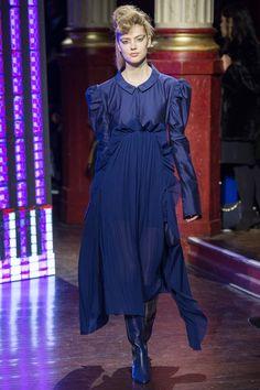 Kenzo Autumn/Winter 2016-17 Ready-To-Wear Paris Fashion Week