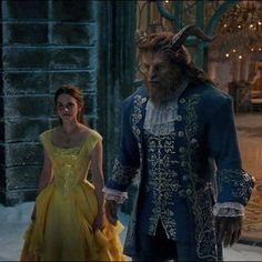 The air was crisp, as it always was around the enchanted castle, but not uncomfortable (Beauty and the Beast, Elizabeth Rudnick) 🌹👧🦁 Beauty And The Beast Wallpaper, Beauty And The Beast Movie, Emma Watson, Live Action, Film Disney, Disney Live, Disney Couples, Belle And Adam, Beast Film
