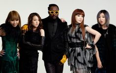 New Single Alert - With only a week to go till will.am delivers his new album the The Black Eyed Peas frontman teams up with K-Pop girls on new single. Korean Fashion Summer Casual, Korean Fashion Kpop, Korean Street Fashion, Weird Songs, Korean Music, Korean Drama, 2ne1, Street Outfit, Celebs