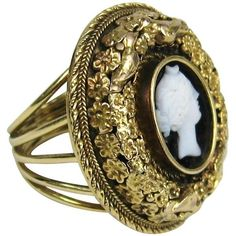 Preowned 1850s Floral Victorian Carved Agate Cameo Gold Ring (€2.335) ❤ liked on Polyvore featuring jewelry, rings, dome rings, multiple, victorian rings, cameo jewelry, agate rings, floral ring and agate jewelry