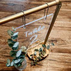 """mach's hübsch on Instagram: """"#prototype #tablenumbers  Diese Idee schwirrt mir schon sooo lange im Kopf herum... Heute habe ich sie endlich umgesetzt 🙆♀️🤗 Einen…"""" Boho Wedding, Table Settings, Instagram, Deco, Weddings, Place Settings"""