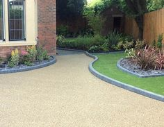 Resin Driveways, Paths, Patios And Other Resin Bound Surfaces Nationwide – Under… – Front Yard İdeas Resin Driveway, Diy Driveway, Resin Patio, Driveway Design, Gravel Driveway, Driveway Blocks, Asphalt Driveway, Stone Landscaping, Driveway Landscaping