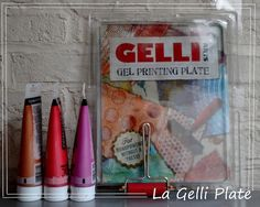 La Gelli Plate : les différentes façons d'utiliser cette plaque en gel qui permet de créer du relief et des motifs pour réaliser des fonds de page - fiche technique