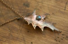 Pendant from natural oak leaf with labradorite, electroformed copper, leaf pendant, botanical jewelry, OOAK, copper dipped, Elves jewelry