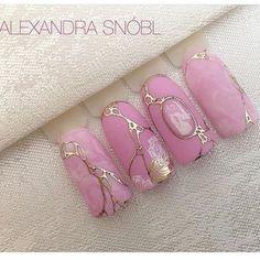 Super nails design lines gold Ideas New Nail Designs, Acrylic Nail Designs, Acrylic Nails, Marble Nails, Pink Marble, Nail Noel, Hair And Nails, My Nails, Star Nails