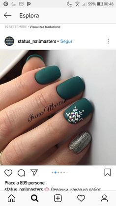 30 ideas which nail polish to choose - My Nails Xmas Nails, Christmas Nails, Fun Nails, Pretty Nails, Christmas Decor, Green Christmas, Matte Nails, Acrylic Nails, Matte Green Nails