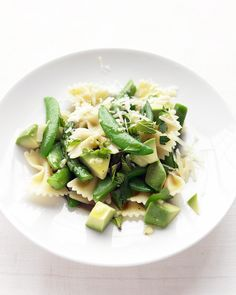 Some nights, dinner is a thoughtful three-course affair ... and some nights, it's pasta. Would that every pantry meal could taste this good. Give Soba Noodles with Tofu, Avocado, and Snow Peas a try as well.