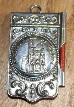 ancien CARNET DE BAL cathédrale de reims  ART NOUVEAU pendentif chatelaine