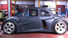A modified FIAT 500 with a 580 hp from a Lamborghini Murcielago. The car is handmade by Oemmedi Meccanica, a specialized workshop in Acquapendente, Italy. Vw T1, Volkswagen, Motor V12, Automobile, V12 Engine, Motor Engine, Jeep, Weird Cars, Sweet Cars