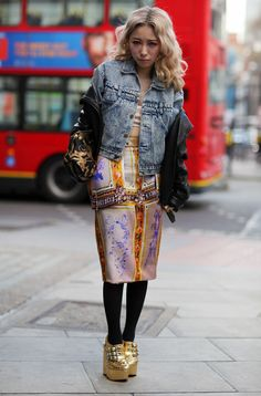 Katou Miliyah in London~ Very cool style