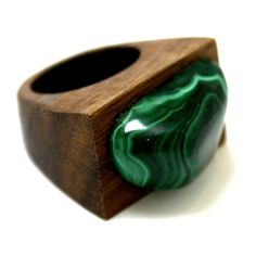 Malachite Ring ($110) ❤ liked on Polyvore featuring jewelry, rings, african wooden jewelry, african rings, wood jewelry, wooden jewelry and green jewelry