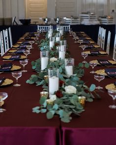 Burgundy, Blush, and Navy Tablescape  Head Table Greenery The French Bouquet Tulsa, Ok Spain Ranch Photos: Kelbert McFarland Photography