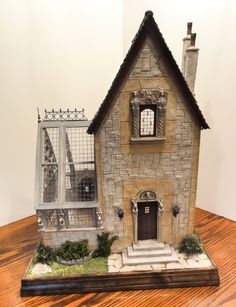 Medieval hunting lodge and conservatory. Re-pinned from Miniature House by BE