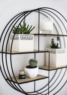 I may be a self confessed plant killer with impressive consistency but I still welcome green friends into my home on a regular basis. Im always trying to find or repurpose containers to house them Small Living Rooms, Living Room Designs, Living Room Decor, Bedroom Decor, Bedroom Modern, Room Wall Decor, Bath Decor, Cozy Living, Girls Bedroom