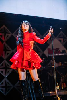 santas coming for us BOSTON, MA - DECEMBER Camila Cabello performs onstage at KISS Jingle Ball 2018 at TD Garden on December 2018 in Boston, Massachusetts. (Photo by Natasha Moustache/Getty Images) Celebrity Baby Pictures, Celebrity Baby Names, Celebrity Babies, Celebrity Style, Shawn Mendes, Cabello Hair, Mini Vestidos, Stage Outfits, Concert Outfits