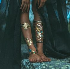 aes: Six of crows Story Inspiration, Character Inspiration, Writing Inspiration, Henne Tattoo, Catty Noir, Egypt Fashion, Six Of Crows, Arabian Nights, Disney Films